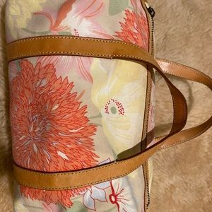 Burberry floral handbag lost the strap